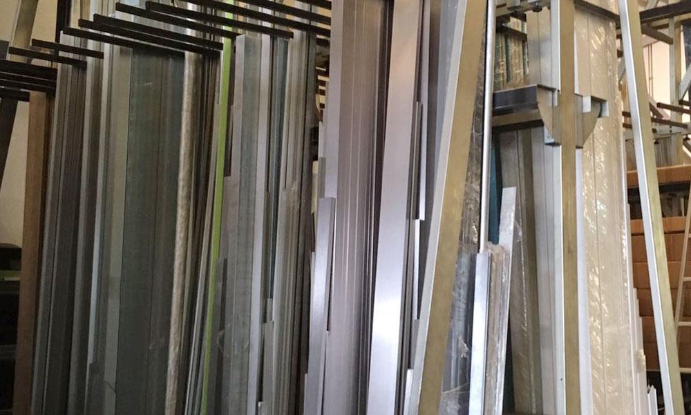 Perfiles de aluminio para mamparas de oficinas