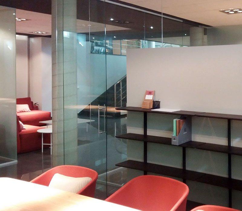 Mamparas de vídrio para oficinas
