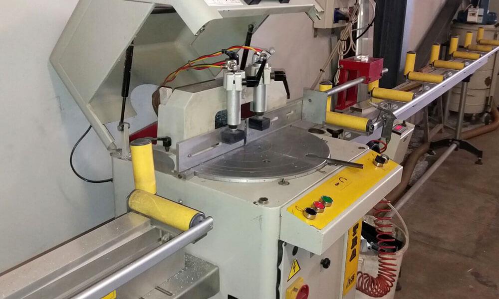 Maquinaria para fabricación mamparas de oficina