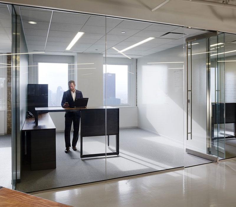 Puerta de cristal con mini marco